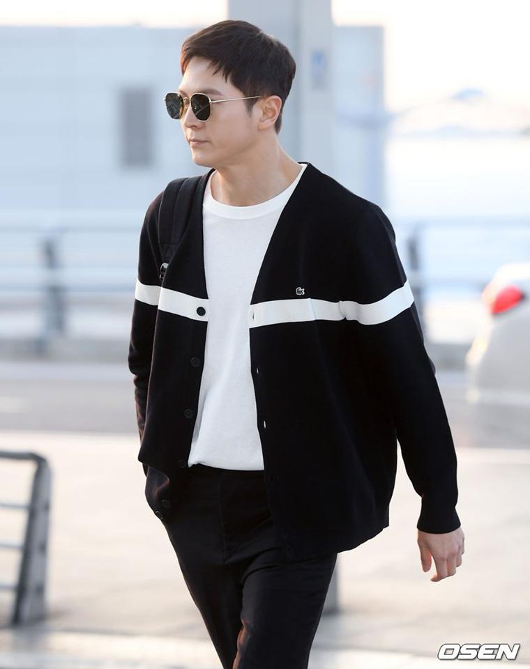 Mợ chảnh Jeon Ji Hyun để mặt mộc mà vẫn nổi bần bật tại sân bay-6