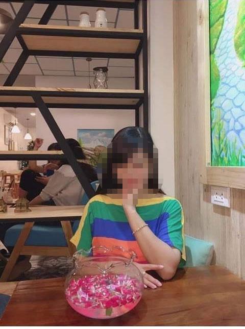 Cận cảnh nhan sắc cô giáo bị chồng tố vào khách sạn với học sinh: Trong phòng có bao cao su, áo ngực chưa kịp mặc-2