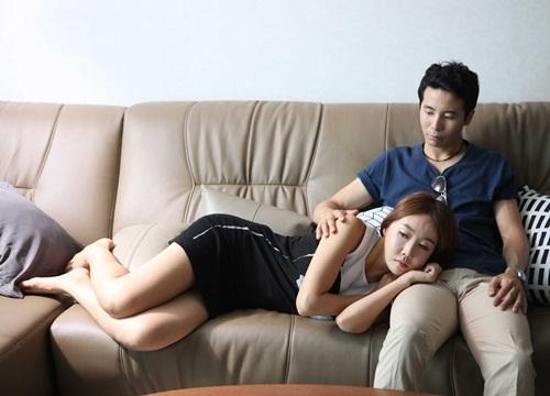 Bị phát hiện chụp ảnh nhạy cảm với bồ, vợ đưa ra lý do khiến mọi người choáng váng-1