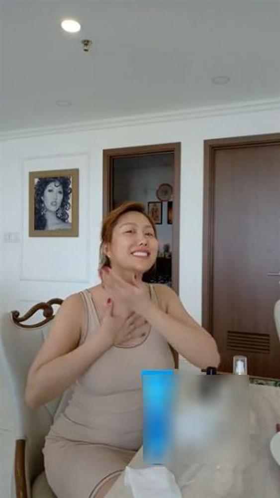 Phi Thanh Vân tung ảnh bán khỏa thân nhưng bị nghi photoshop bóp eo đến nát hình-2