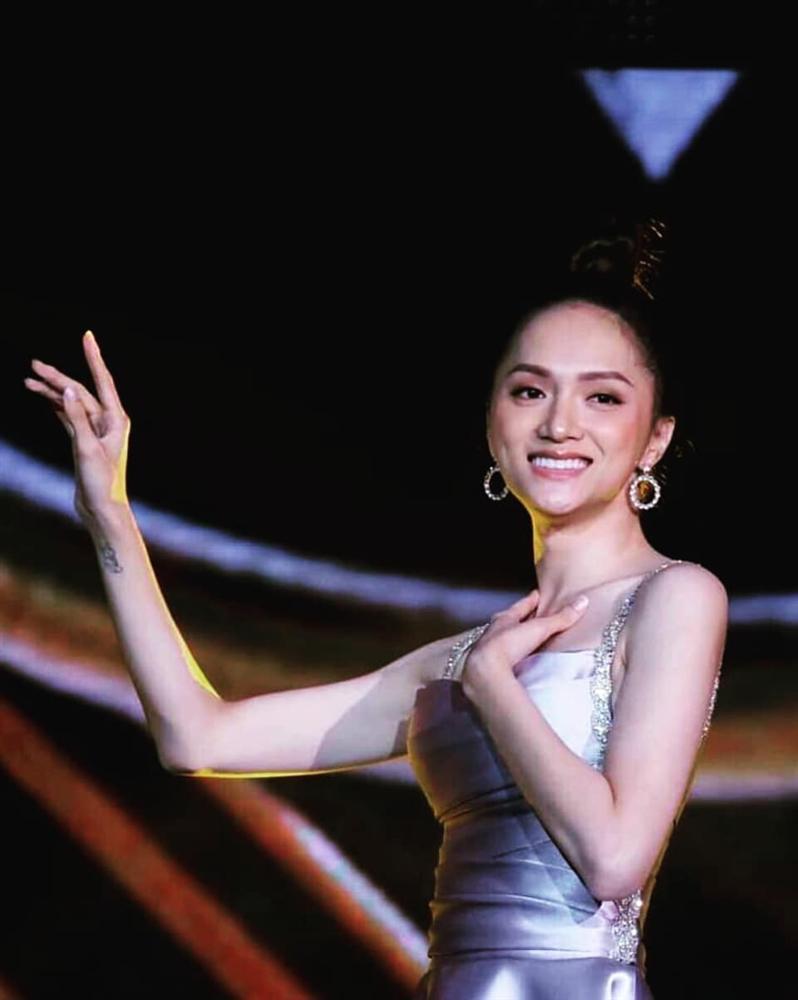 Sát giờ chung kết Hoa hậu Chuyển giới Quốc tế, Hương Giang thả thính bằng 4 bộ đầm dạ hội đẹp nghẹn lời-8