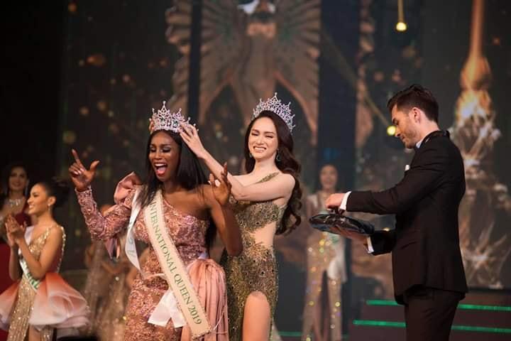 Đăng quang Hoa hậu Chuyển giới 2019, người đẹp Mỹ nhảy như vịt đập cánh khiến Hương Giang cũng phải ngỡ ngàng-7
