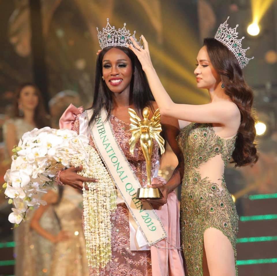 Đăng quang Hoa hậu Chuyển giới 2019, người đẹp Mỹ nhảy như vịt đập cánh khiến Hương Giang cũng phải ngỡ ngàng-8