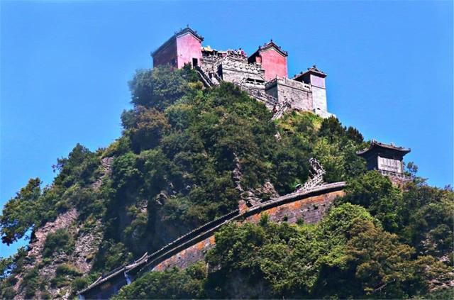 Ngọn núi kiếm tiền nhiều nhất Trung Quốc, vé gần 1 triệu du khách vẫn không chê đắt-5