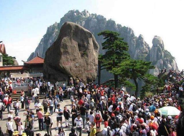 Ngọn núi kiếm tiền nhiều nhất Trung Quốc, vé gần 1 triệu du khách vẫn không chê đắt-8
