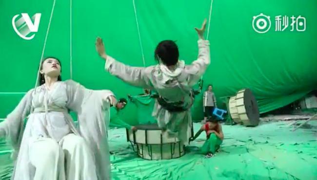 Sự thật cảnh bay lượn như chim của Trương Vô Kỵ trong Tân Ỷ Thiên Đồ Long ký-4
