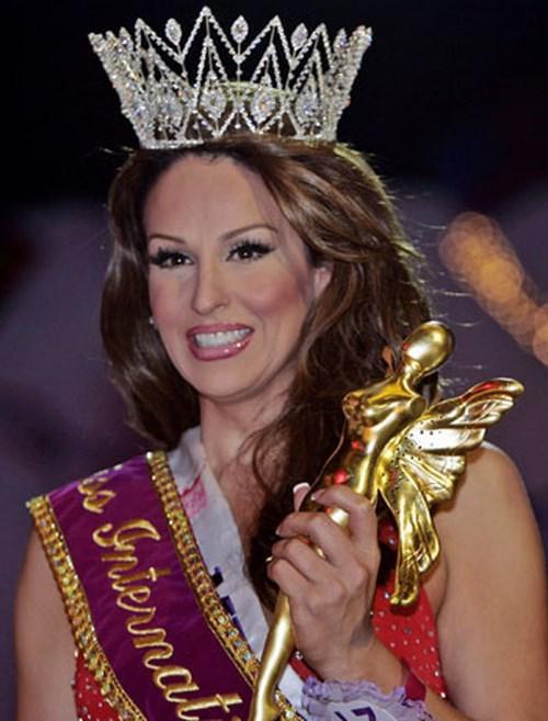 14 Hoa hậu Chuyển giới Quốc tế trong lịch sử: Hương Giang đẹp mỹ miều mà vẫn phải thua một đại mỹ nhân-3