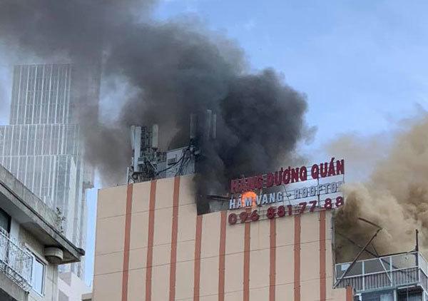 Cháy lớn ở tòa nhà cao tầng trung tâm Sài Gòn-1