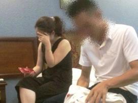 Cô giáo bị tố 'quan hệ' với nam sinh cho rằng bị chồng dàn dựng