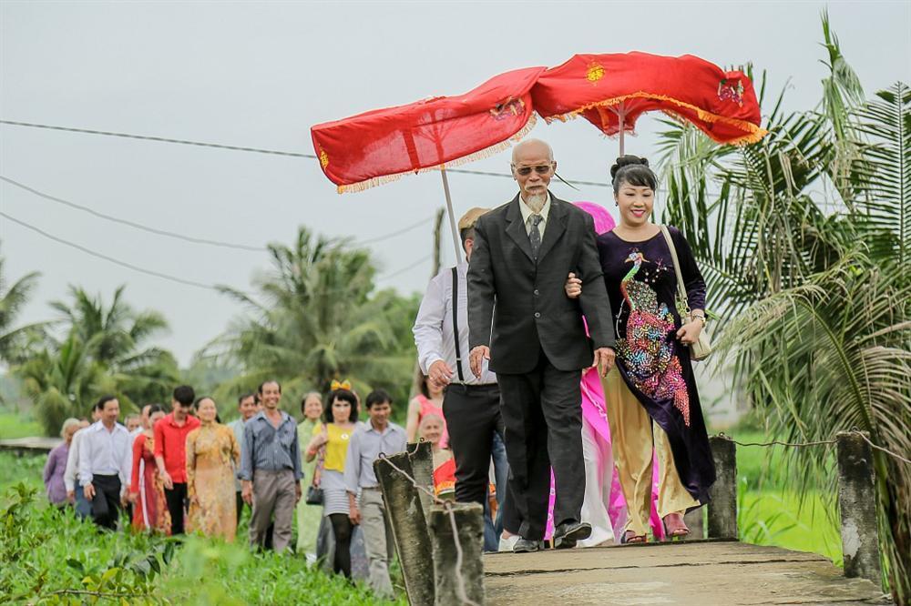 Xuất hiện với thần thái cực ngầu, Minh Triệu ngang nhiên cướp dâu giữa đám cưới-2