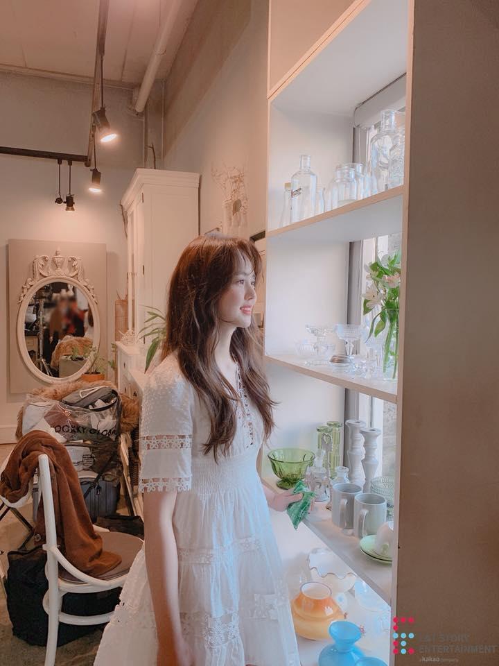 Em gái mưa Kim So Hyun khiến chiếc váy cháy hàng vì diện lên quá xinh đẹp-2