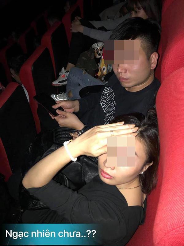 Bắt quả tang chồng dẫn bồ nhí đi xem phim, vợ chết điếng chỉ vì 1 câu nói của cả bồ nhí và mẹ chồng-1