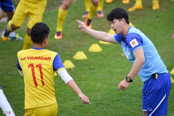 Fan nữ của U23 Việt Nam có thêm tân HLV thể lực để thương nhớ-1