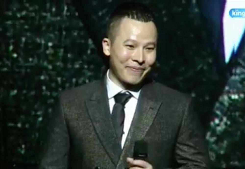 Vũ Khắc Tiệp vồ ếch khiến MC bật cười trong show nội y Đêm hội chân dài cuối cùng-2