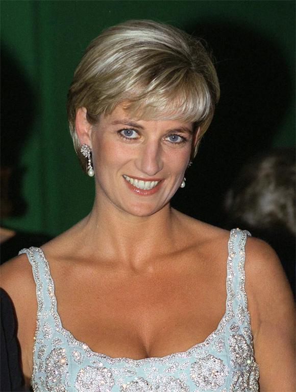 Tiết lộ mới gây sốc: Công nương Diana từng giấu người tình trong chăn để đưa vào cung điện-1