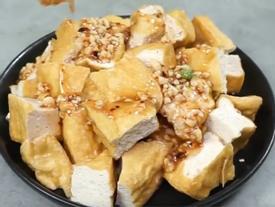 Cách làm món đậu phụ chấm sốt đậu phộng kiểu Thái cực đơn giản mà ngon ngất ngây
