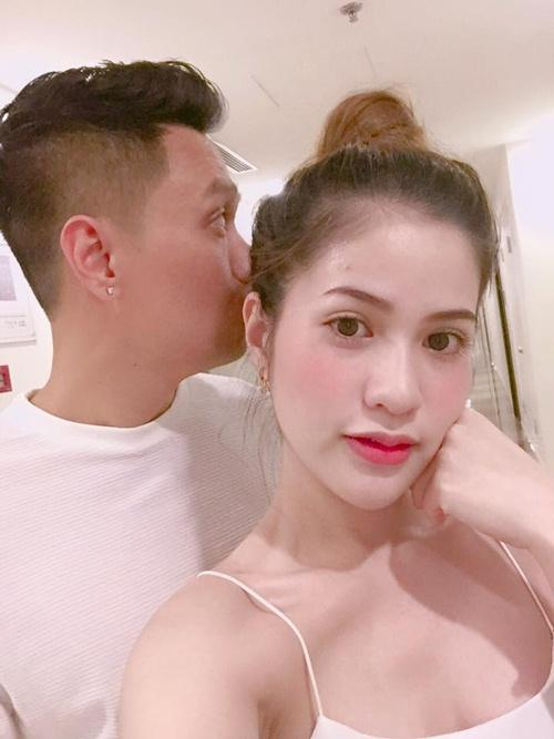 Vợ Việt Anh đáp trả gay gắt khi bị chỉ trích có chồng là người công chúng mà ứng xử kém-3