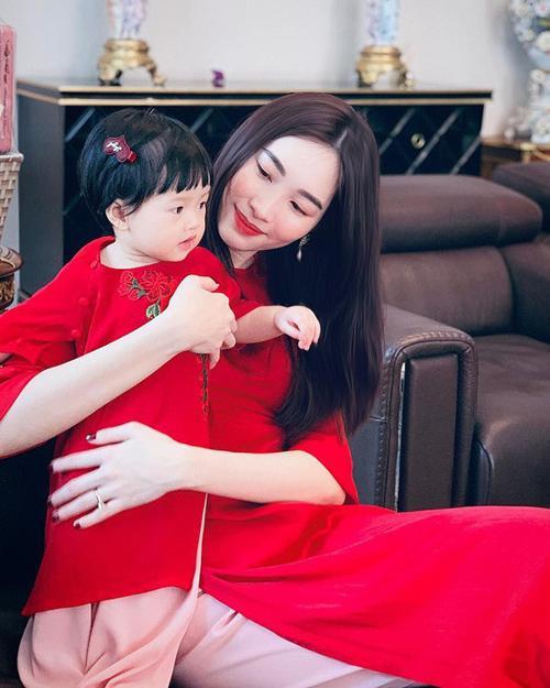 3 cặp mẹ đẹp - con xinh sành điệu của showbiz Việt-2