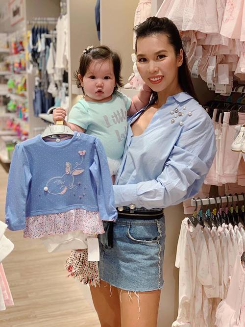 3 cặp mẹ đẹp - con xinh sành điệu của showbiz Việt-10