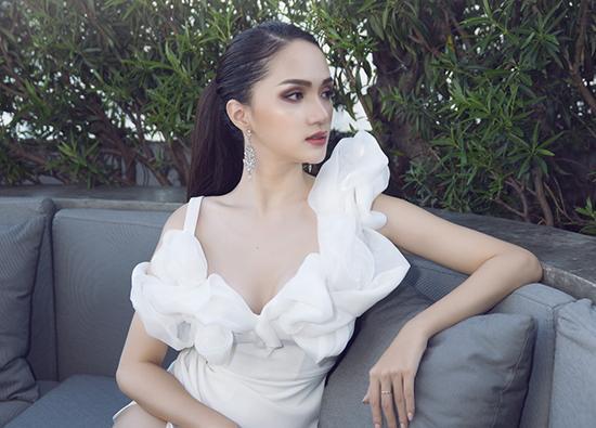 Đẹp xuất sắc như Hương Giang cũng bị lộ khoảnh khắc kém sexy với khuyết điểm thân hình khó che giấu-10