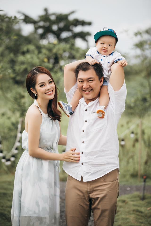 Ly hôn trong nước mắt, Dương Cẩm Lynh vẫn cùng chồng cũ đưa con trai du hí Singapore-5
