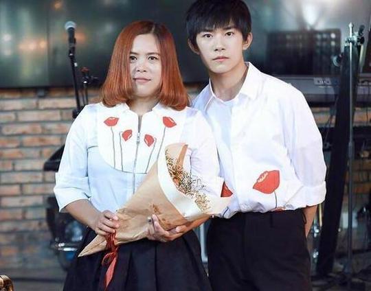 Chiêm ngưỡng nhan sắc mẫu thân dàn mỹ nam Hoa ngữ: Sành điệu cá tính, trẻ ngang chị gái-4