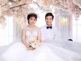 Đám cưới có 1 không 2: Cô dâu chú rể bước vào, cả hôn trường nức nở