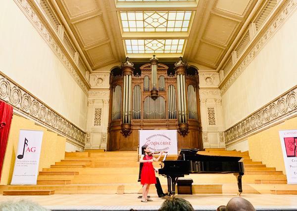 Học trò Bùi Công Duy đạt giải nhất cuộc thi violin quốc tế-3