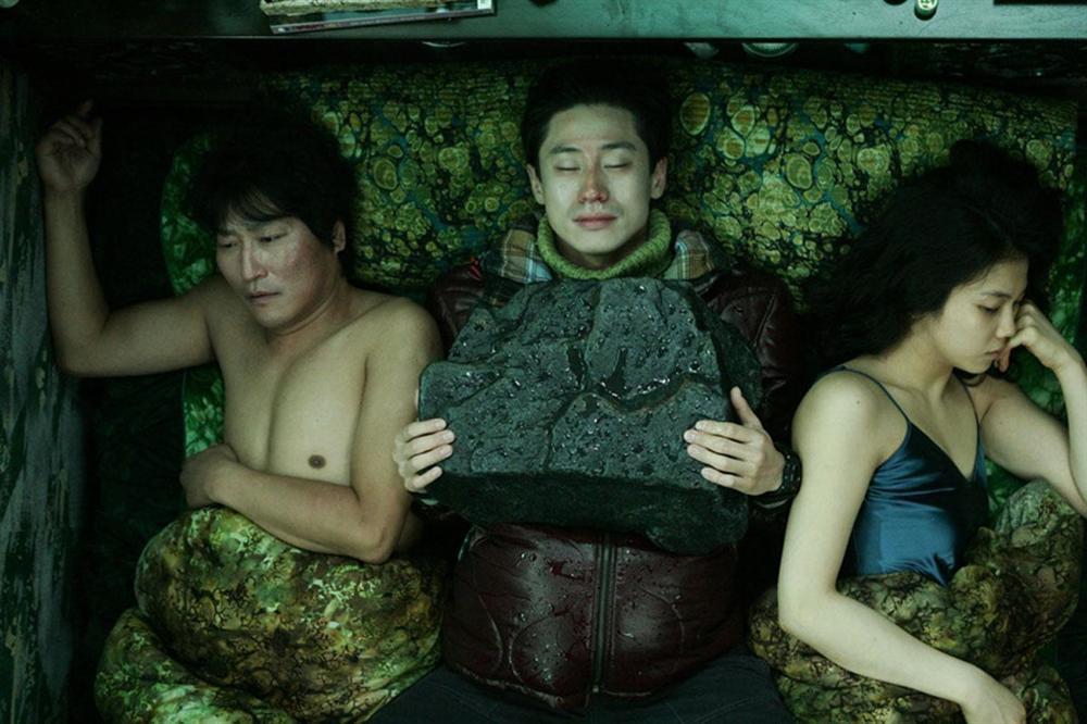 Mỹ nhân bị đồn cặp kè Song Joong Ki: Thành danh nhờ phim 18+, bị ghét vì quá hám tiền-6