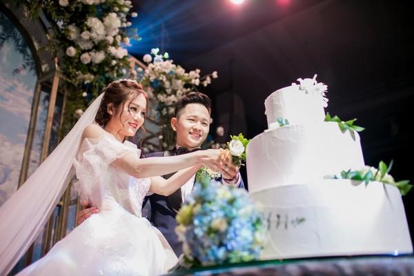 Dàn biên tập viên VTV3 cùng hội tụ chúc mừng đám cưới ngọt lịm của chàng MC 'Cà phê Sáng'-3