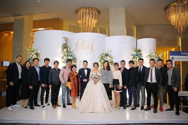Dàn biên tập viên VTV3 cùng hội tụ chúc mừng đám cưới ngọt lịm của chàng MC 'Cà phê Sáng'-6