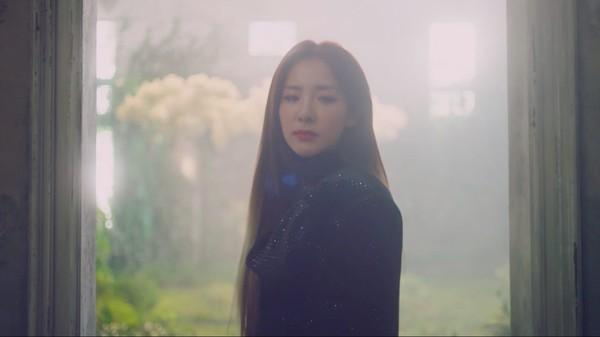 Dara xuất hiện xinh đẹp trong teaser mới của Park Bom: Một nửa 2NE1 sắp sửa tái hợp-1