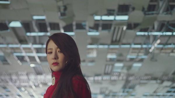 Dara xuất hiện xinh đẹp trong teaser mới của Park Bom: Một nửa 2NE1 sắp sửa tái hợp-2