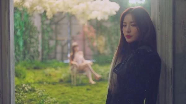 Dara xuất hiện xinh đẹp trong teaser mới của Park Bom: Một nửa 2NE1 sắp sửa tái hợp-4