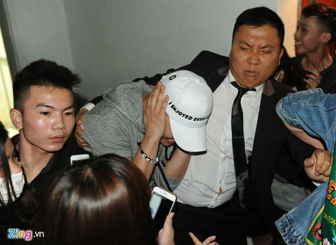 Những lần đến Việt Nam gây ồn ào, chỉ chơi trong bar của Seungri-9