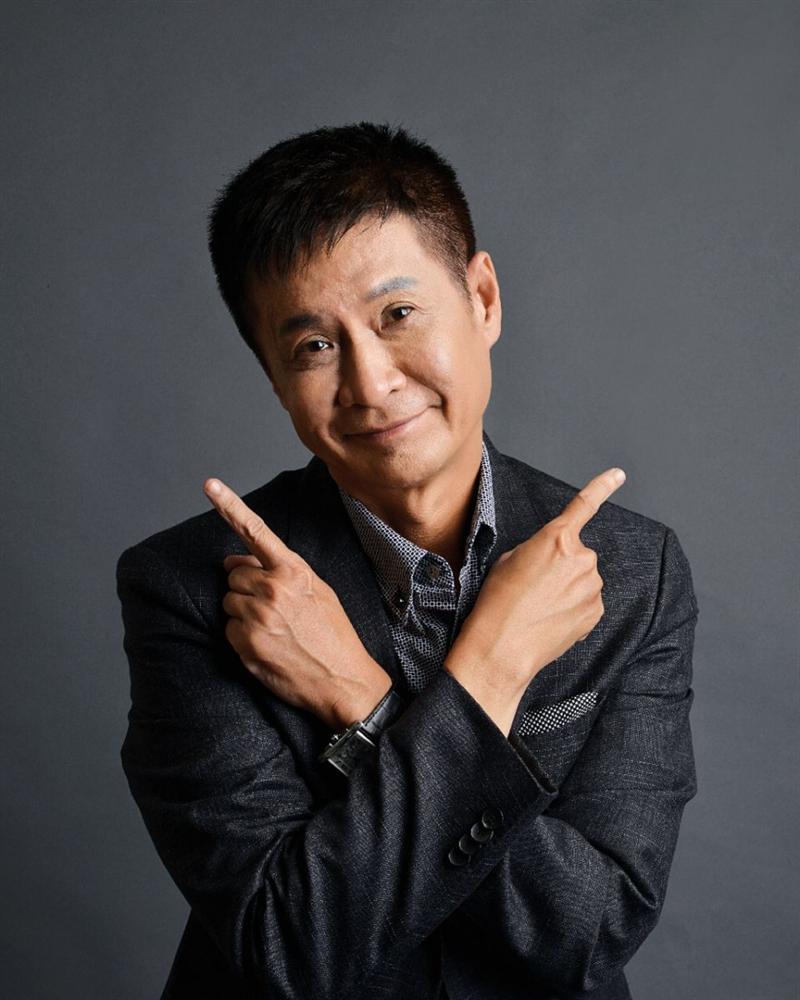 Đạo diễn Lê Hoàng miêu tả sô bít Việt năm 2030 cổ dài cong như ngỗng trời, xương sườn nhô ra khi đi qua cơ quan thuế-3
