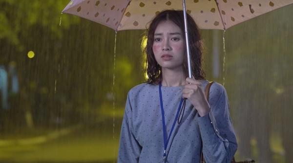 Bình An cảm động trước sự chăm sóc tận tình của Chi Pu trong tập 28 Mối Tình Đầu Của Tôi-3