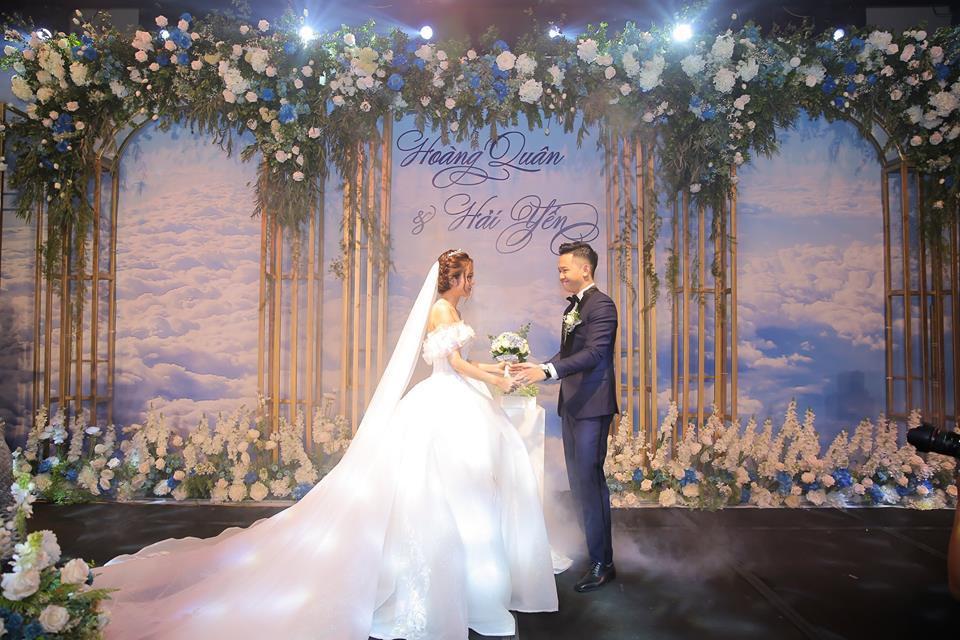 Clip cực hot ở đám cưới MC Cà phê sáng: Cô dâu, chú rể hát hay như ca sĩ chuyên nghiệp-7