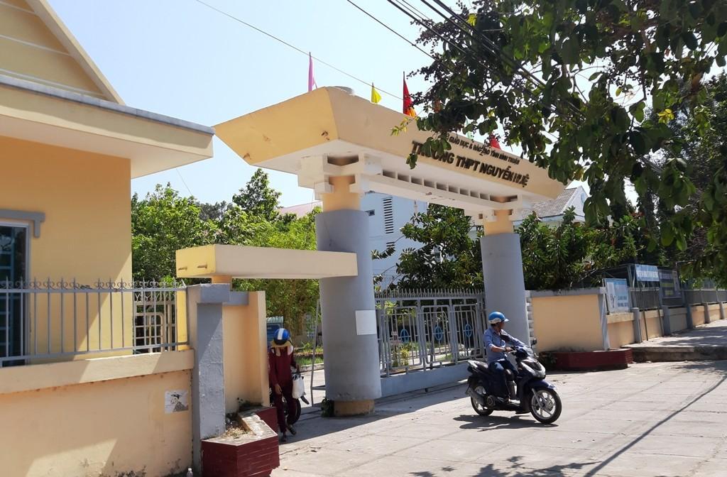 Vụ cô giáo vào nhà nghỉ với học sinh lớp 10: Nhà trường chính thức khẳng định em Trần Công Mẫn đã bị oan-2