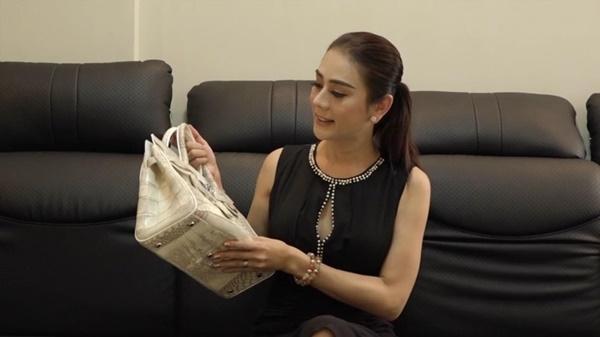 Sự thật về chiếc túi Hermès Birkin đắt nhất thế giới Lâm Khánh Chi được chồng tặng-2