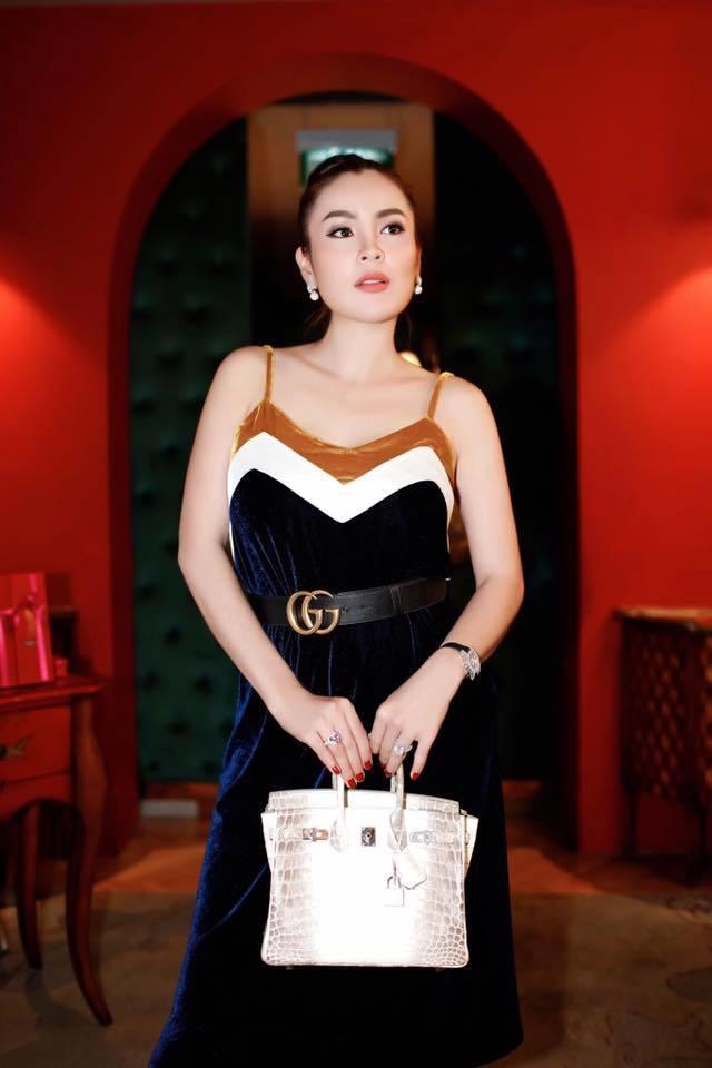 Sự thật về chiếc túi Hermès Birkin đắt nhất thế giới Lâm Khánh Chi được chồng tặng-4