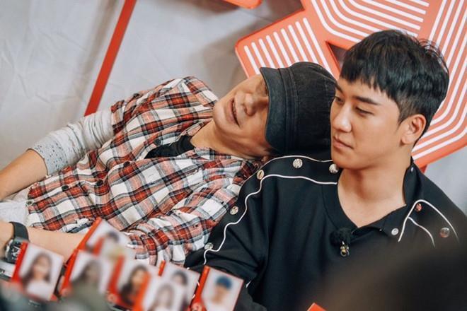 YG đuổi cổ Seungri, xin lỗi công chúng vì quản lý nghệ sĩ yếu kém-1