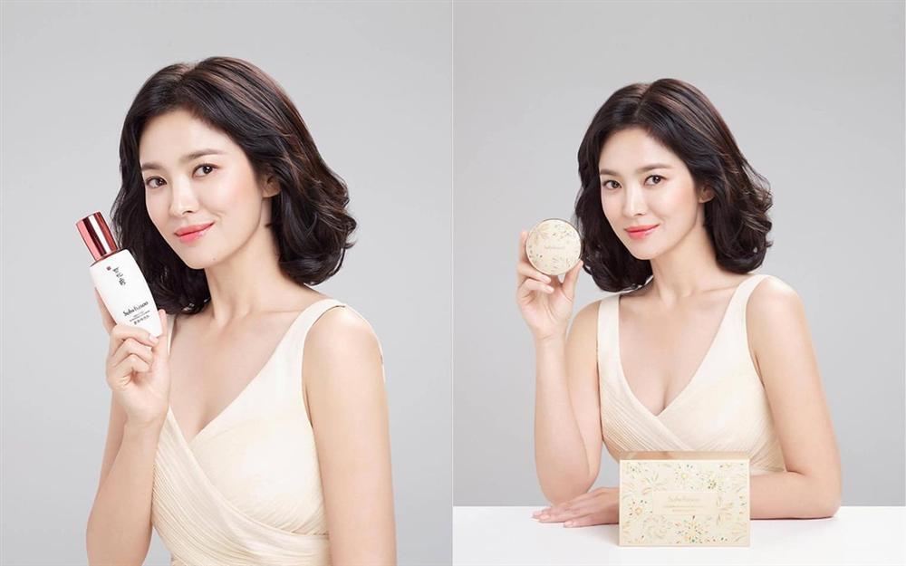 Dân mạng nháo nhào khi thấy Song Joong Ki chụp ảnh cùng cô gái che mặt bằng trái tim nhưng không phải Song Hye Kyo-2