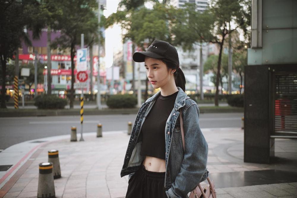 STREET STYLE sao Việt: Hương Giang, Hà Hồ, Bích Phương, Mỹ Tâm, Soobin Hoàng Sơn và những công thức phối đồ jeans cực kỳ thú vị-6