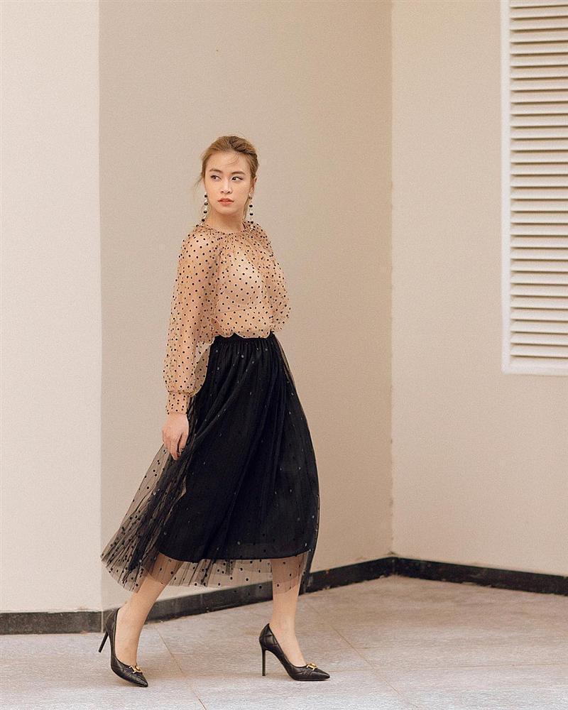 STREET STYLE sao Việt: Hương Giang, Hà Hồ, Bích Phương, Mỹ Tâm, Soobin Hoàng Sơn và những công thức phối đồ jeans cực kỳ thú vị-12