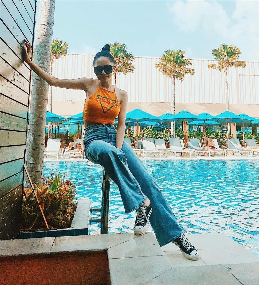 STREET STYLE sao Việt: Hương Giang, Hà Hồ, Bích Phương, Mỹ Tâm, Soobin Hoàng Sơn và những công thức phối đồ jeans cực kỳ thú vị-2