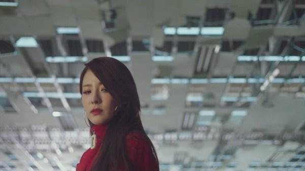 Park Bom nói về Dara và màn kết hợp 2019: Cô ấy thực sự rất chân thành!-2