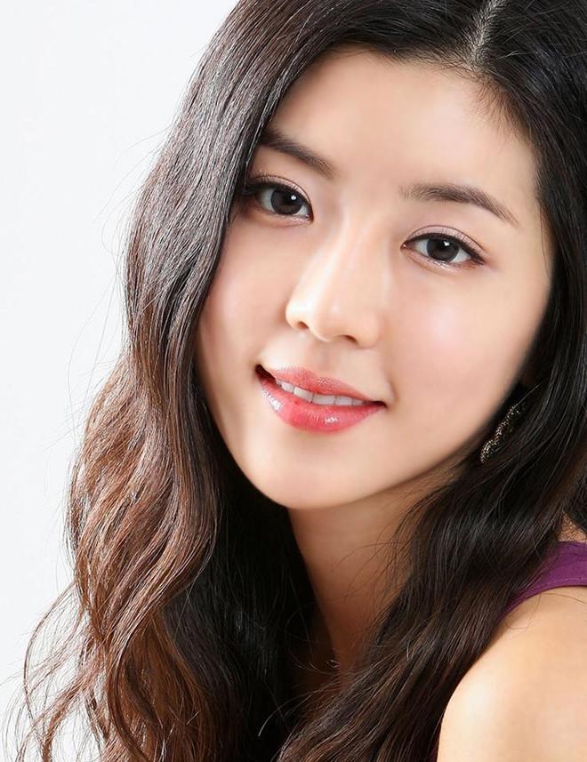 Người đẹp Hàn có cả chồng và bạn trai cũ từng dính vào án mại dâm-1