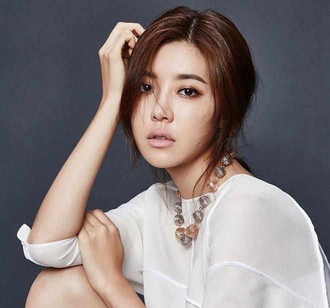 Người đẹp Hàn có cả chồng và bạn trai cũ từng dính vào án mại dâm-15