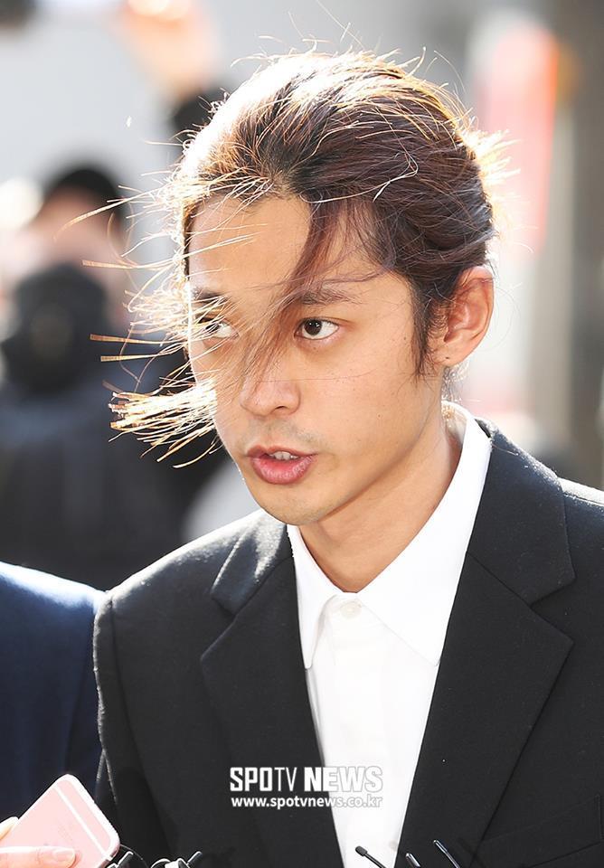 Jung Joon Young cúi đầu xin lỗi, tiết lộ hơn 200.000 tin nhắn bí mật liên quan đến sex lưu trữ trong điện thoại-3